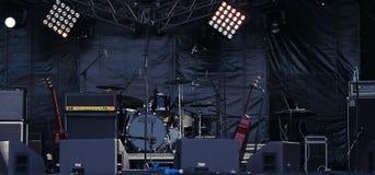 Musikaliska instrument på etapp Royaltyfria Foton