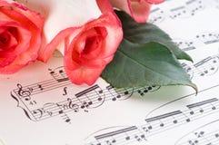 musikaliskt ark royaltyfria bilder