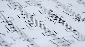 Musikanmerkungen über Papier stock footage