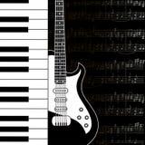 Musikbakgrund med tangentbord-, gitarr- och notsystemanmärkningar Arkivbilder