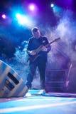 Musikband för röda Snapper som spelar i den Lviv klubban Royaltyfria Foton
