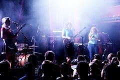 Musikbandet för Les Sueques flickamusik utför i konsert på den Primavera ljudfestivalen 2017 Royaltyfri Fotografi