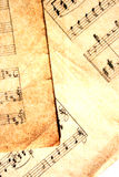 Musikblätter mit Extragrunge Lizenzfreie Stockfotos
