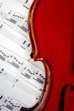 Musikblatt und Violine   Lizenzfreies Stockbild