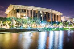 Musikcentret på natten, i i stadens centrum Los Angeles Arkivbilder