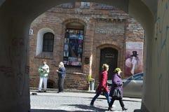 Musiker in alter Stadt Vilnius stockfotografie