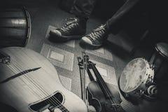 Musiker And His Instruments Lizenzfreies Stockfoto