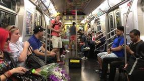Musiker i NYC-gångtunnel arkivfilmer