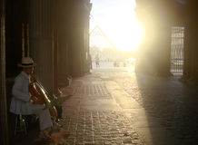 Musiker im Louvre Stockfoto