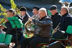 Musiker mit geblasenen Instrumenten Feiern des Einheits-Tages Pyatigorsk, Russland Stockfotos