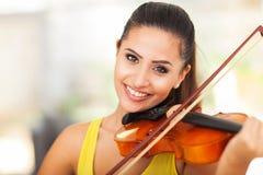 Musiker som spelar fiolen Fotografering för Bildbyråer