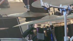 Musiker spelar p? diskot arkivfilmer