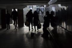 Musiker und Fußgänger in der Untertagemetro kiew Lizenzfreie Stockfotografie