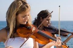 Musikfrauen Lizenzfreie Stockfotografie