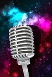 Musikhintergrund mit Mikrofon Lizenzfreie Stockbilder