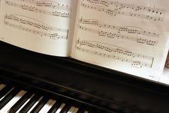 musikpiano Arkivbild