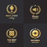 Musikstudion och för logotappning för radio den guld- vektorn ställde in Del fyra Royaltyfri Foto