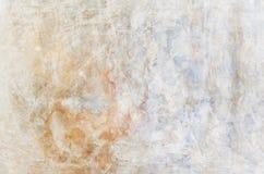 Musikvektor mit Mann Rotes Blaues und Gelbes des Schmutzes gemalt auf Betonmauer Beschaffenheitszusammenfassung für Hintergrund lizenzfreie stockfotos