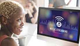 Musique coulant le concept d'égaliseur de téléchargement de divertissement de media Photographie stock