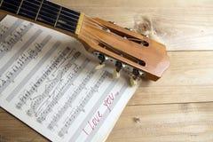 Musique de feuille de guitare Image libre de droits