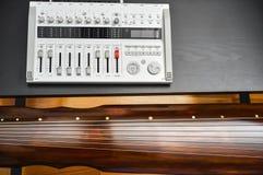 Musique de Guqin d'enregistrement Photographie stock