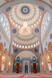 Muskatellertraube, Oman - Innenraum der Taymoor Moschee Lizenzfreies Stockfoto