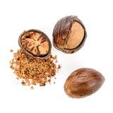 Muskatnuts - ganz und pulverisiert Stockfotos