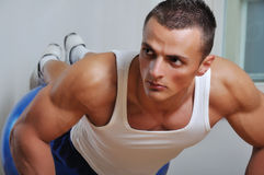 Muskelmannübung Lizenzfreies Stockfoto