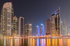Muskulös man i boxningbegrepp Royaltyfri Bild