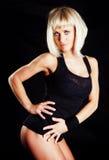 Muskulöse Frau, die Eignungübung tut Lizenzfreies Stockbild