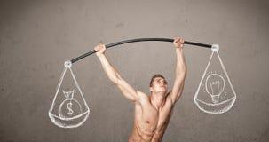 Muskulöser Mann, der versucht, ausgeglichen zu erhalten Stockfotos