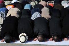 Muslim bemannar ber Arkivbild