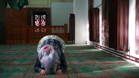 Muslim girl praying Royalty Free Stock Photos