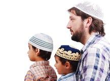 muslim två för pojkefamiljfader Arkivbild
