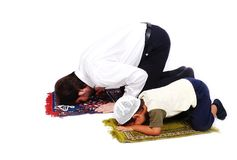 Muslimdyrkanactivites i Ramadan helgedommånad Arkivfoto