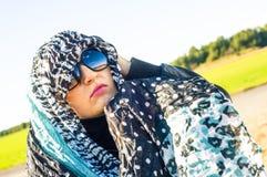 Muslimflicka som ha på sig higab Arkivfoton