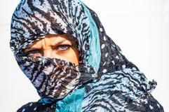 Muslimflicka som ha på sig higab Arkivbilder