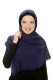 Muslimsk kvinnastående arkivfoto