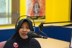 Muslimsk TV-presentatör Arkivbilder