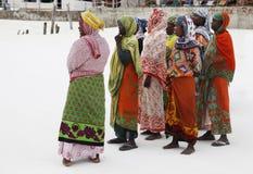 Muslimska kvinnor på stranden Royaltyfria Foton