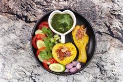 Muslimska ris för gul jasmin med höna, Halal mat Arkivbilder