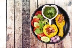 Muslimska ris för gul jasmin med höna, Halal mat Arkivfoto
