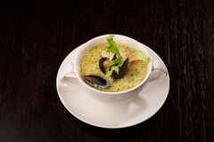 Mussel soup with saffron Royalty Free Stock Photos