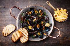 Mussels and french fries Royalty Free Stock Photography