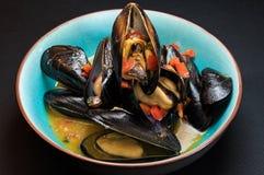 Mussels w kontrparze Fotografia Stock