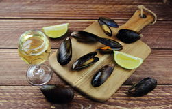 Mussels with white wine and lime Stock Photography