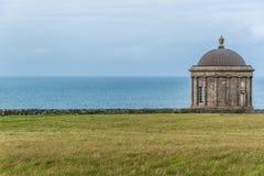 Mussenden-Tempel, Nordirland-Küstenlinie Stockbilder
