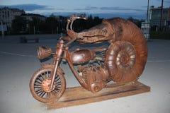 Mussla på en motorcykel royaltyfria bilder