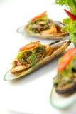 musslor plate white Royaltyfri Bild