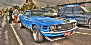 Mustang blu del Ford fotografia stock